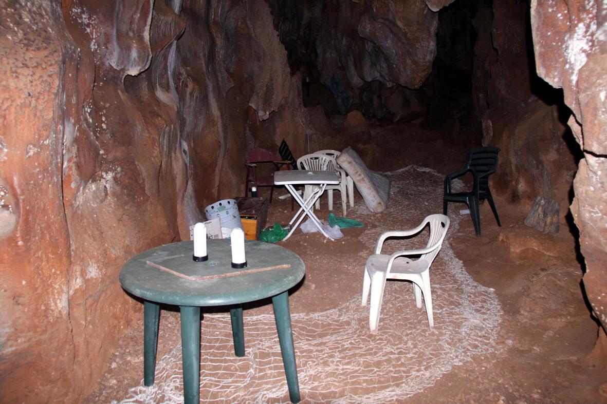 Arrinconados Cueva de la Victoria